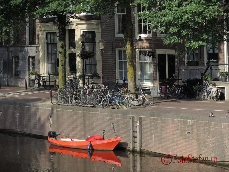 poza ambarcatiune rosie amsterdam