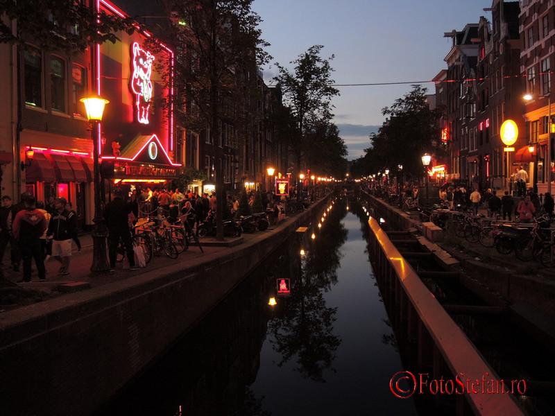 poza cartierul rosu amsterdam