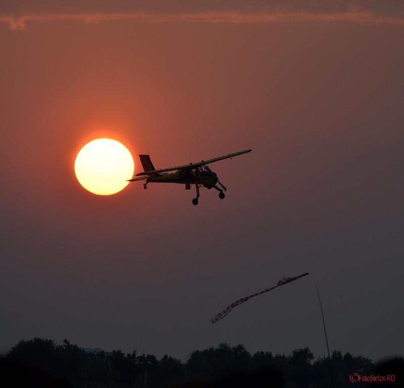 poza apus avion airshow bucuresti