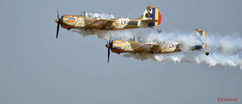 poza avioane iacarii acrobati airshow bucuresti 2016