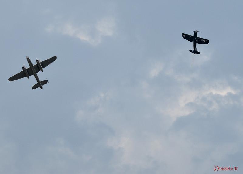 foto B-25 Mitchell  F4U Corsair bucharest airshow