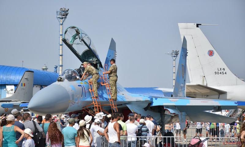 poza Suhoi Su-27 al Fortelor Aeriene Ucrainene  expozitia statica