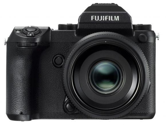 poza aparat foto mirrorless Fujifilm GFX 50S
