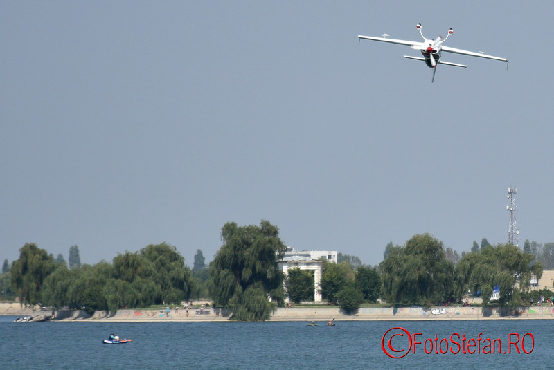 poza avion extra 200 lacul morii bucuresti