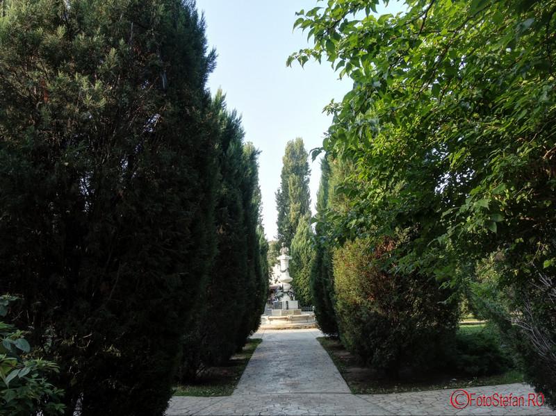 foto plimbare parcul Luigi Cazzavillan Bucuresti