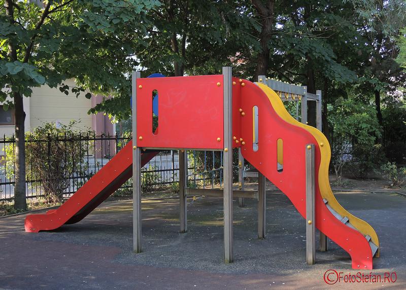 foto loc de joaca in parcul Luigi Cazzavillan