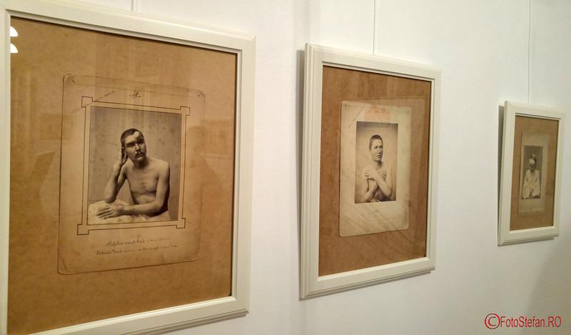 """poze expozitia """"Medicina în fotografia de secol XIX"""" la NAG 2016"""