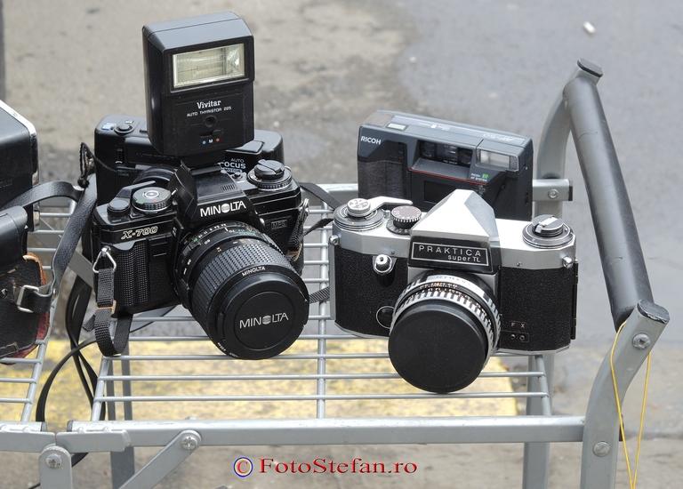 poza aparat foto Minolta X700 si Praktica Super TL
