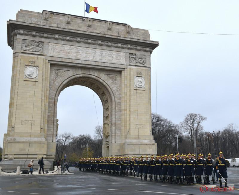 poze militari brigada 30 mihai viteazu arcul de triumf bucuresti