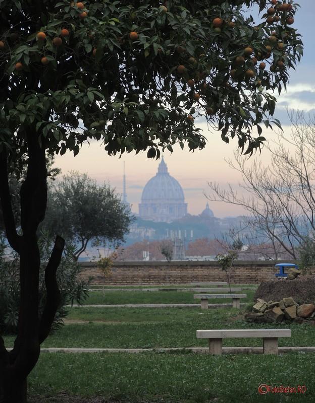 poza portocal colina aventino Bazilica Sfântul Petru