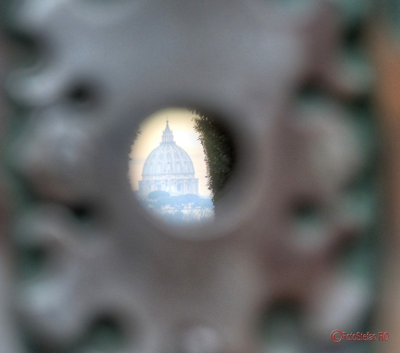 poze prin gaura cheii vilei cavalerilor de malta