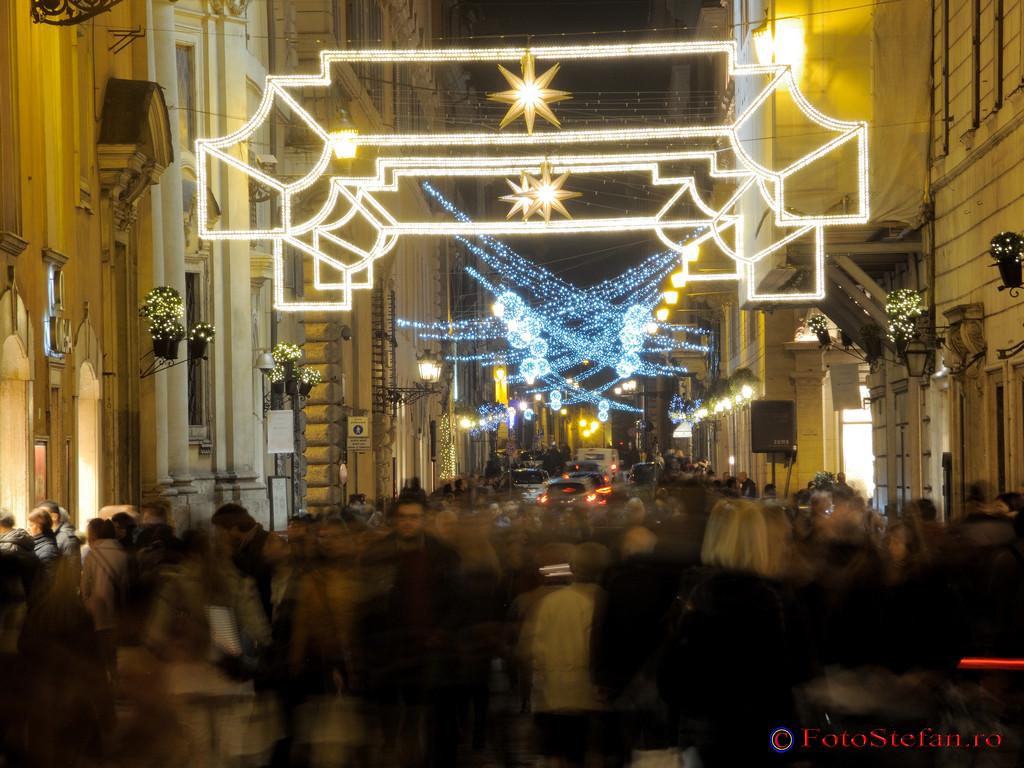 poze luminte craciun roma Piazza di Spagna Scalinata di Trinità dei Monti