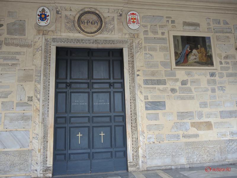 poza usa biserica santa maria in Trastevere roma