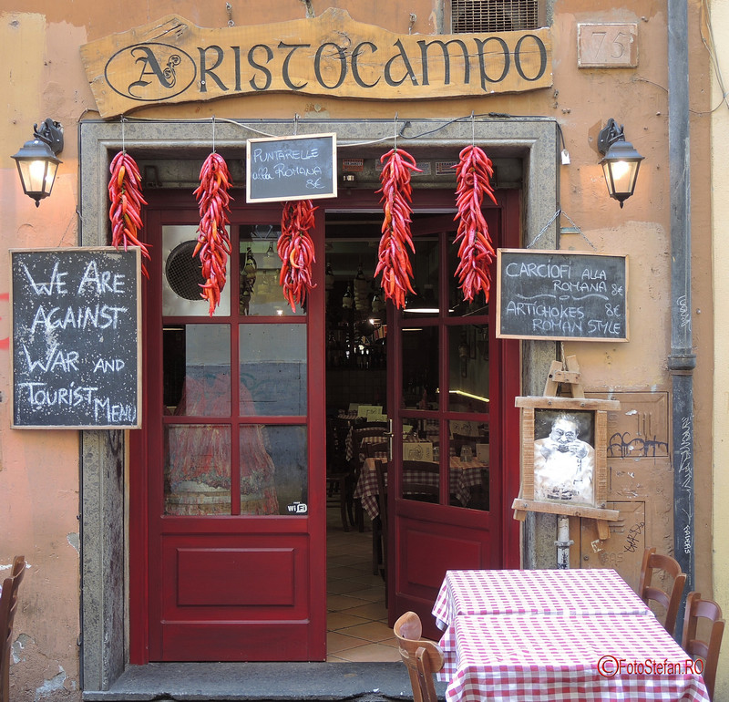 poza local cartierul Trastevere Roma Italia decembrie