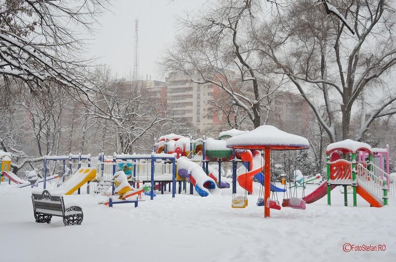 poze foto leagane parcul circului iarna zapada bucuresti 2017