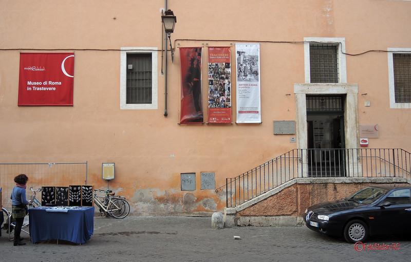 poza usa intrare Museo di Roma in Trastevere