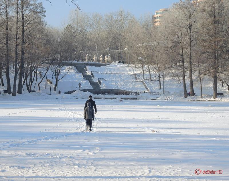 foto mers lac titan parc ior bucuresti iarna