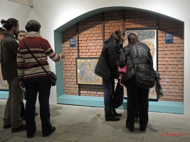 foto poze expozitie fresce icoane restaurate manastire demolata vacaresti