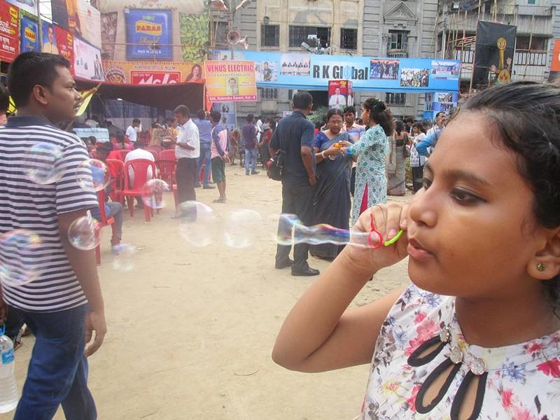 Pamel Mukhopadhyay poza copii castigator upoty