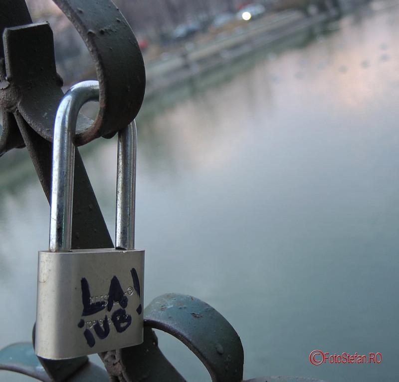 poze lacat de dragoste iubiri bucuresti pod izvor