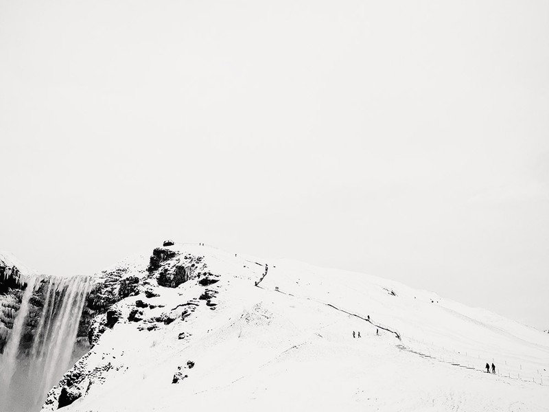 poza alb-negru munte zapada smartphone