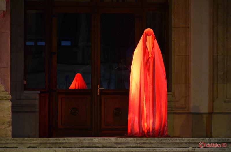 poze festivalul luminii calea victoriei bucuresti guardians of time