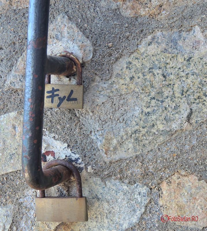 poze love locks Lloret de Mar Costa Brava Spania lacatele iubirii