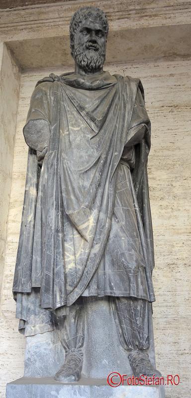 poza statue dac muzeul capitoline roma italia