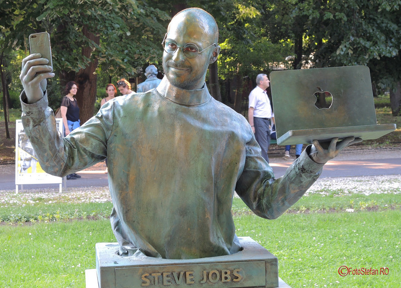poza statuie vivanta steve jobs bucuresti #fisv2017