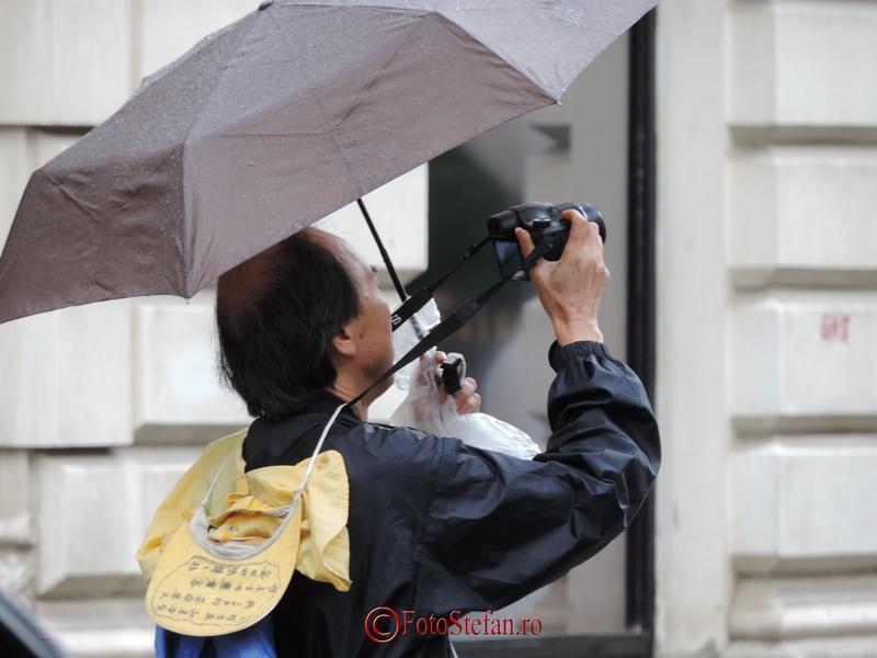poza fotograf ploaie umbrela