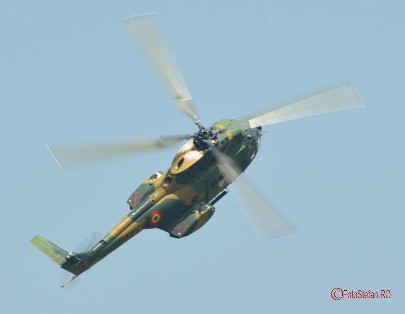 poza acrobatie aeriana spectacol aviatic IAR-330 Puma foar