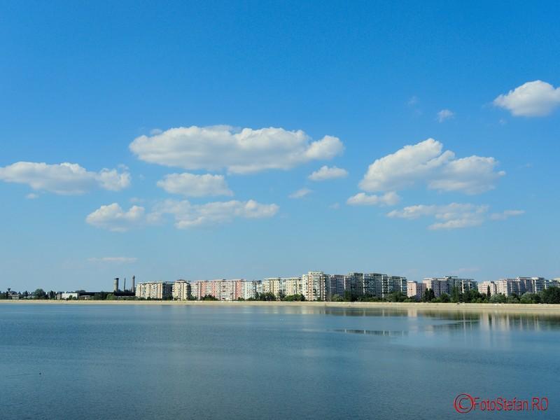 poza fotografie lacul morii crangasi bucuresti vara