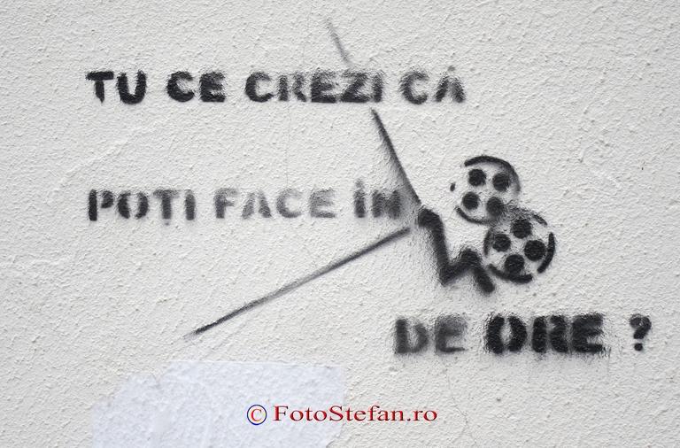 poza afis graffiti intrebare desen perete Ce sa faci cand te plictisesti in casa
