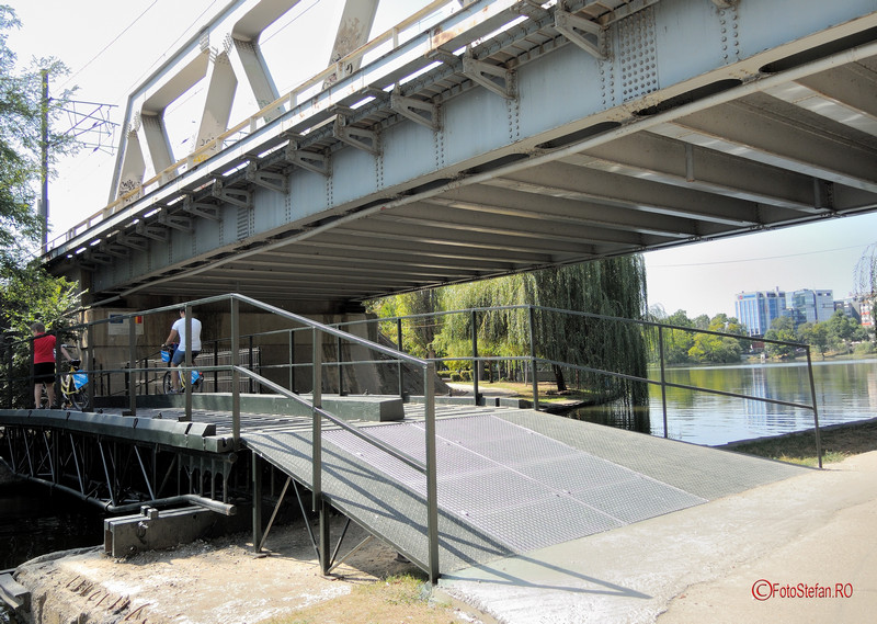 poze fotografii pasarela pod pietoni biciclisti parcul Herastrau Bucuresti