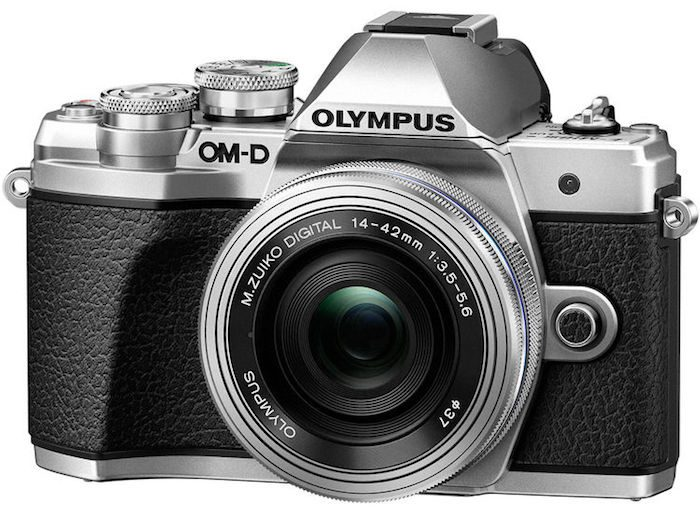 poza aparat foto mirrorless argintiu Olympus OM-D E-M10 Mark III