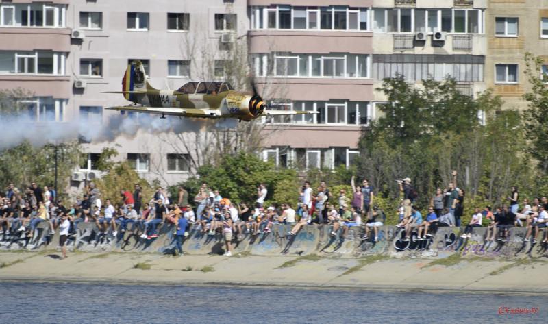 poza avion acrobatie aeriana yak 52 lacul morii bucuresti