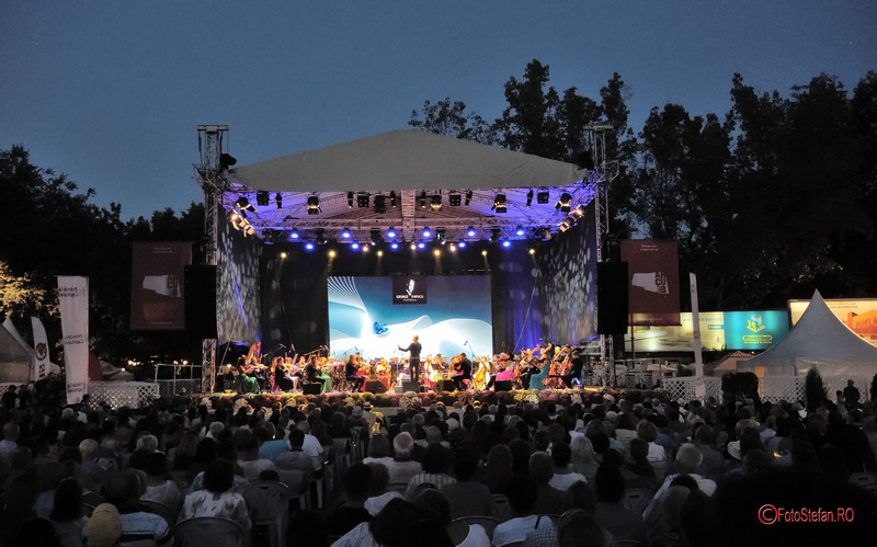 poze fotografii Piata Festivalului George Enescu muzica gratuit