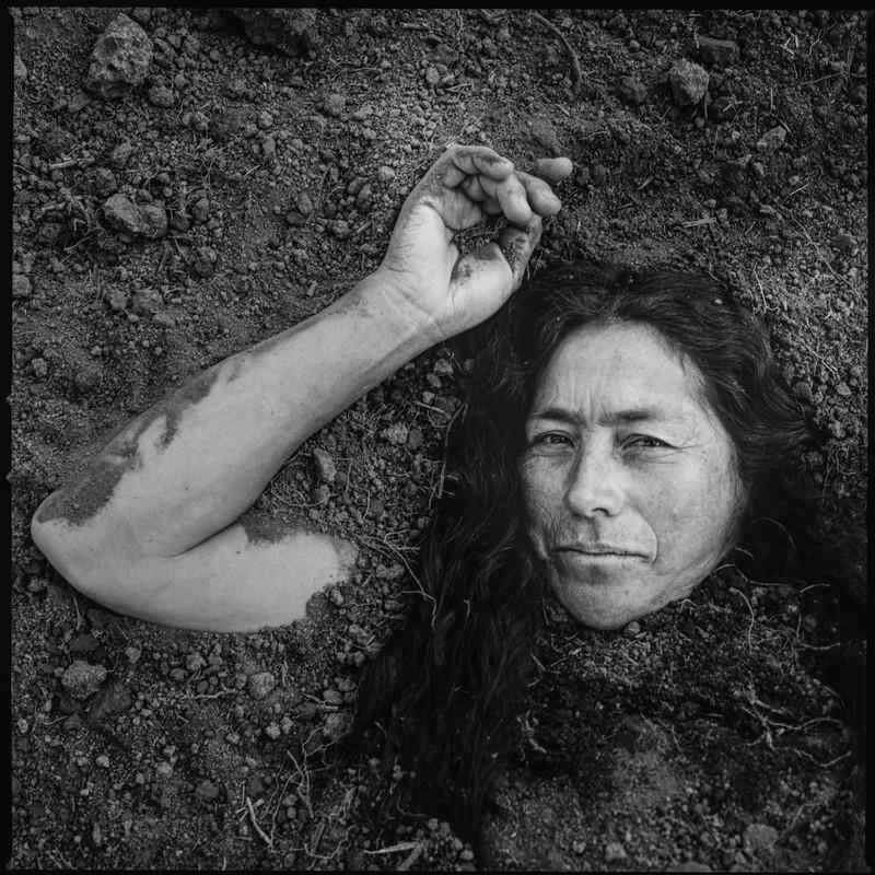 poza portrait femeie fotograf Carlos Saavedra