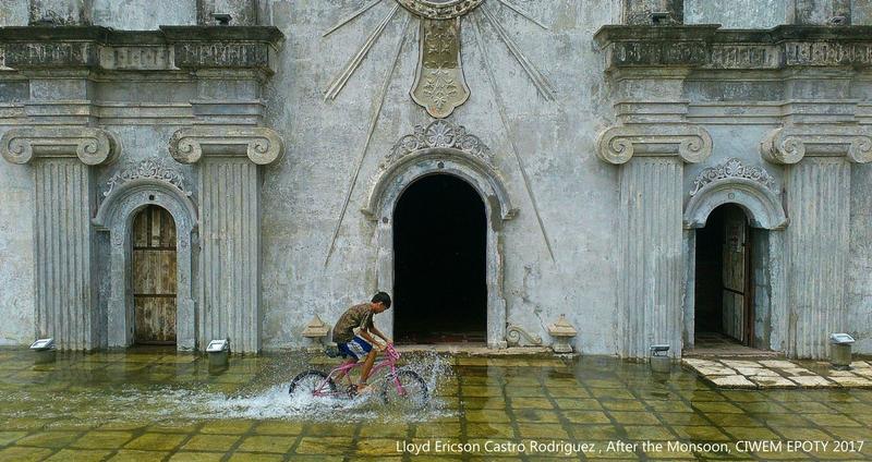 poza baiat bicicleta inundatie mason india Lloyd Ericson Castro Rodriguez