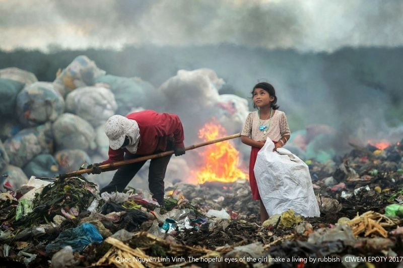 poza fetita gunoaie Quoc Nguyen Linh Vinh The hopeful eyes of the girl making a living by rubbish