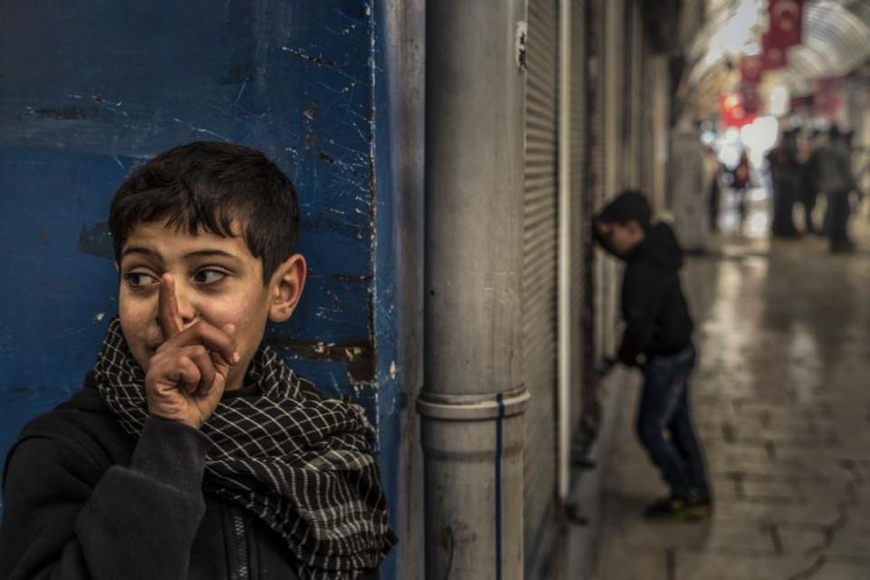poza fotograf turc Pertev GÖKÇEK copii turci vata-ascunse-le-a