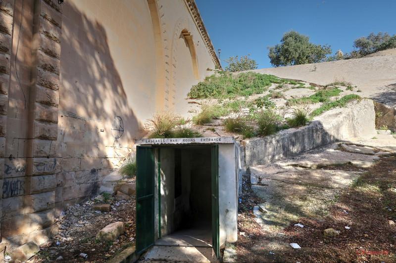 poza intrare muzeu Lascaris War Rooms Valletta Malta fotografie hdr