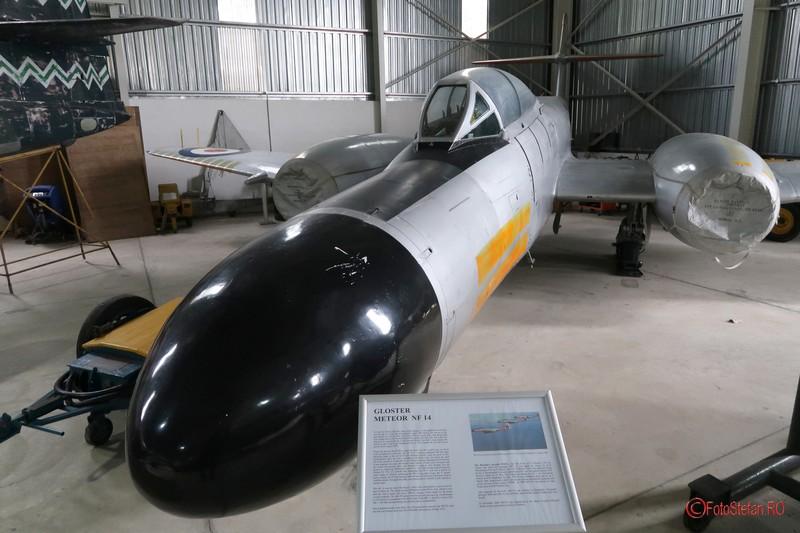 poze avioane gloster meteor nf14t muzeul aviatiei malta