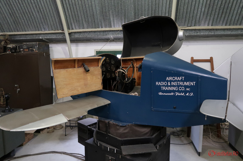 poza simulator zbor avion muzeul aviatiei malta