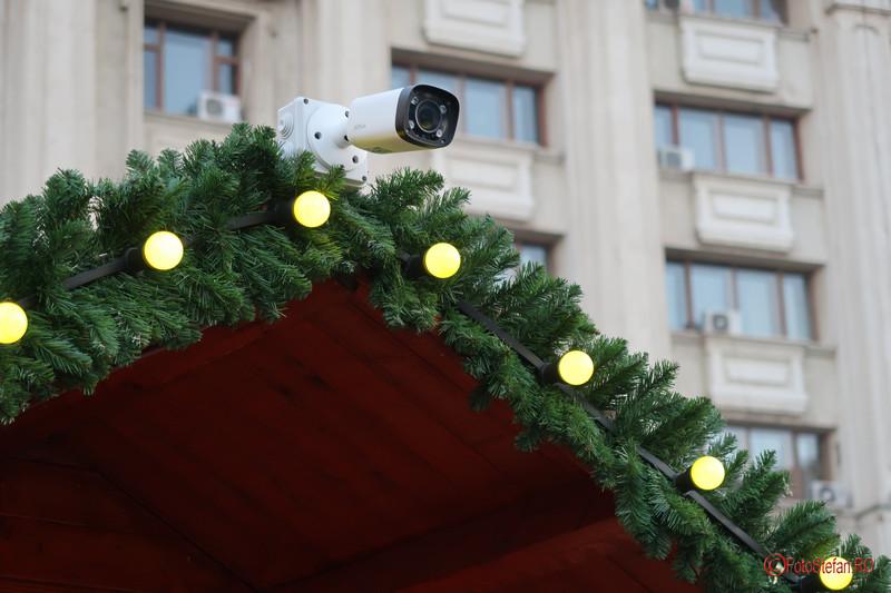poza camera video supraveghere Targul de Craciun Bucuresti 2017 Piata Constitutiei