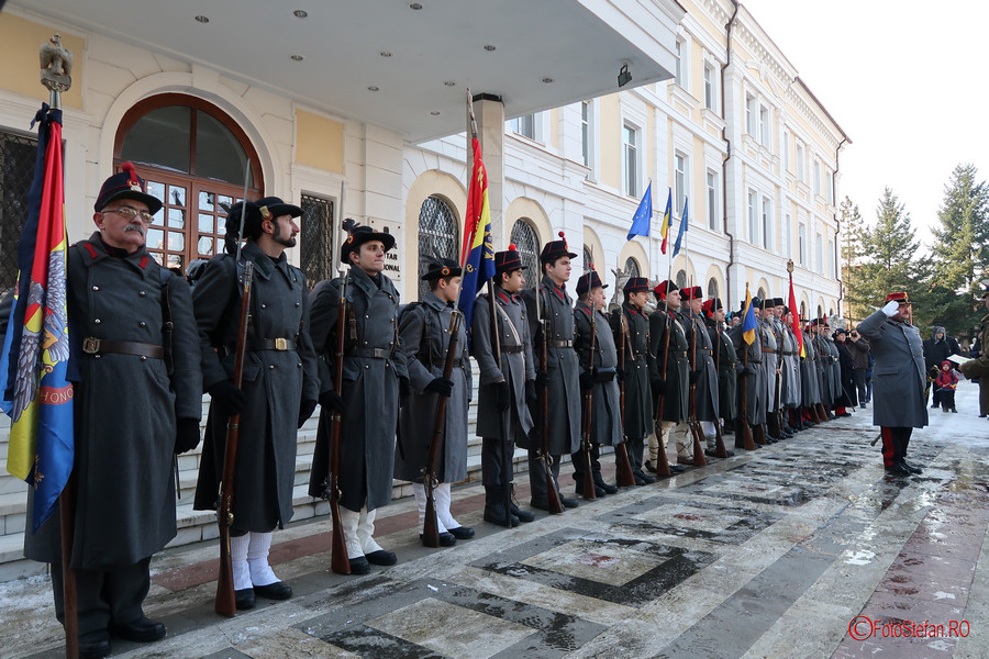 poze militari uniforme epoca muzeul militar bucuresti