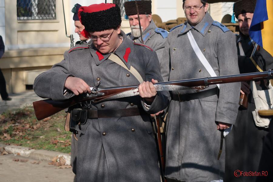 poza fotografie ostas uniforma epoca pusca arma muzeul militar bucuresti