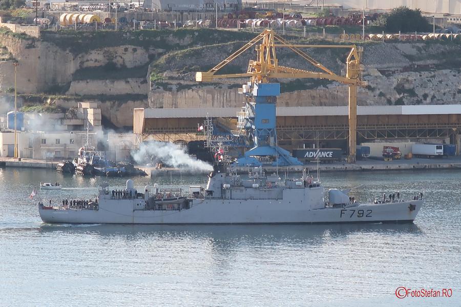 test zoom digital aparat foto compact nava militara franceza corveta