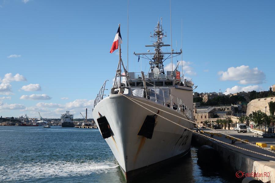 poza nava militara cheu Marele Port Valletta Malta
