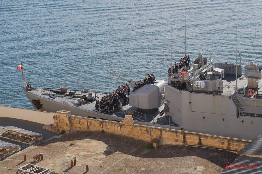 fotografie grup marinari francezi F792 Premier-Maître L'Her Malta Valletta